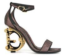 Sandalen mit barockem Muster