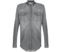 Hemd mit Druckknopfverschluss