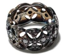 Diamanten-verzierter Ring