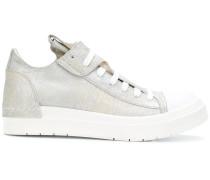 Sneakers mit Farbeffekt