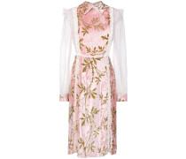 Kleid mit Spitzenverzierung