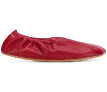 Ballerinas mit Design-Kappe