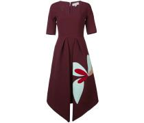 Kleid mit spitzem Saum