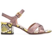 Sandalen mit Schlangenledermuster