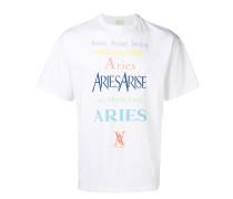 T-Shirt mit buntem Slogandesign