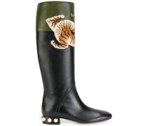 Stiefel mit Tiger-Verzierung
