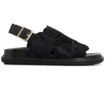 'Fussbett' Sandalen mit Fell