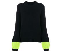 Gerippter Pullover mit Kontrastärmeln