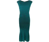 Kleid mit Wellenmuster