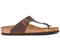 Sandalen mit Zehenriemen