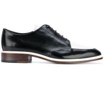 Zweifarbige Derby-Schuhe