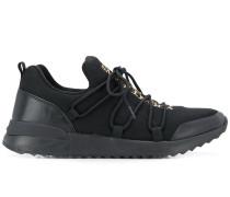 Sneakers mit Metallic-Detail
