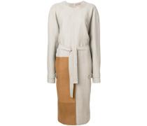 Kleid mit kontrastfarbigem Einsatz