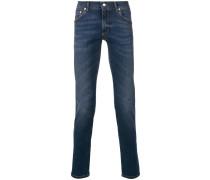 Schmale Jeans mit Tragefalten
