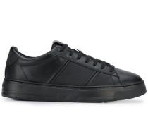 Sneakers mit glatter Oberfläche