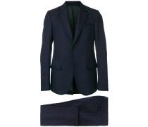 Zweiteiliger Anzug mit kleinem Muster