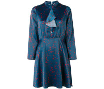 Kleid mit betonter Taille