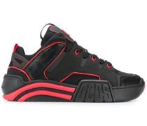 Sneakers mit Kontrastpaspeln