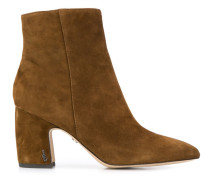 'Seshilty' Stiefel