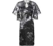 Metallisches Kleid mit Cape