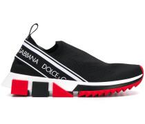 Slip-On-Sneakers mit Logo-Streifen