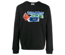 Sweatshirt mit Straßenschildern