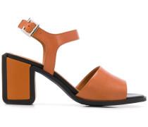 Sandalen mit Kontrastborten