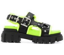Sandalen mit Oversized-Sohle