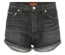 Jeansshorts mit Distressed-Saum