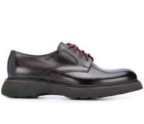 Derby-Schuhe mit Kontrastschnürung