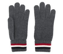 Handschuhe mit gestreiften Bündchen