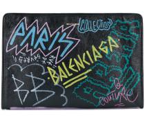 'Bazar Graffiti' Clutch