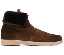 Stiefel aus Wildleder und Pelz