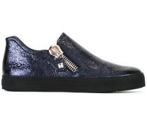 Sneakers mit Glanzeffekt