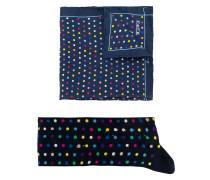 Gepunktete Socken und Einstecktuch