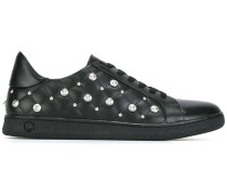 Sneakers mit Nieten
