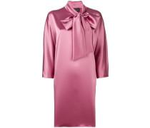 Kleid mit Schleifenverschluss