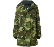 Mantel mit Camouflagemuster