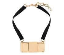 Halsband mit goldfarbenem Anhänger