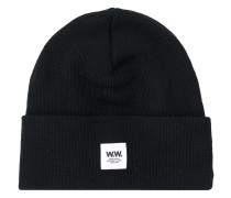 ribbed logo patch beanie hat
