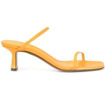 Fadenia sandals