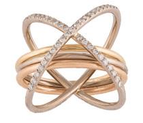Überkreuzter Ring
