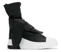 High-Top-Sneakers mit Knoten