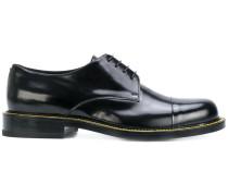 Derby-Schuhe mit Kontrastnaht