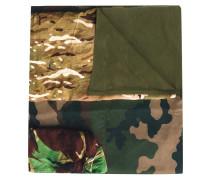 Seidenschal mit Camouflage-Print