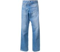 Boyfriend-Jeans mit gekreuztem Bund