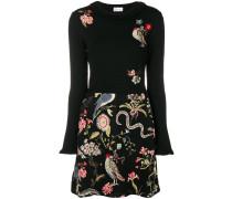 Pulloverkleid mit Blumenstickerei