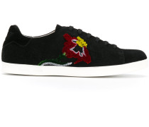 Wildleder-Sneakers mit Blumenstickerei