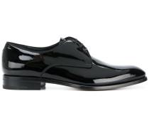 Derby-Schuhe in Lackoptik