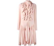 Gerüschtes Kleid mit Schleifenkragen